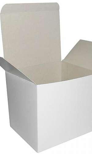Caixa papelão branca