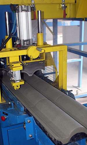 Forma para fabricar telhas de cimento