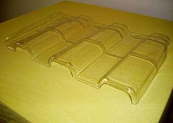 Forma plástica para telha de concreto